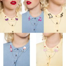 Pin's collier de col